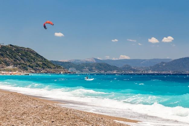 Kite surfer in the sea Premium Photo