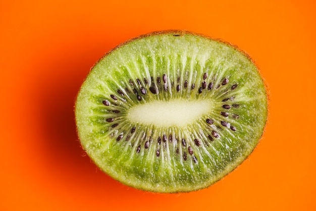 Kiwi background 23 2147822413