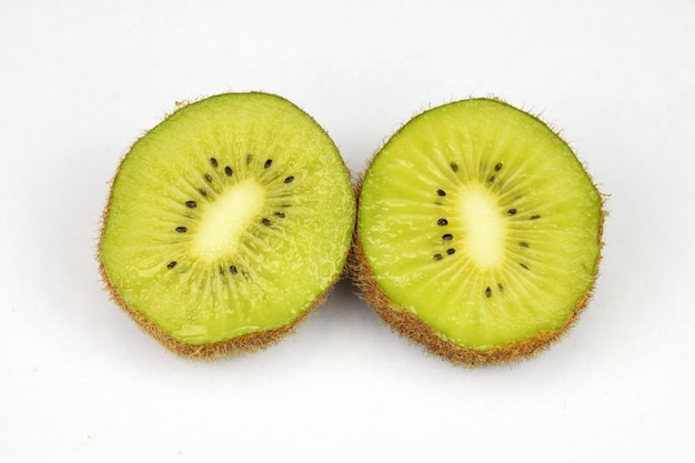 Kiwi cut in hald 1136 64