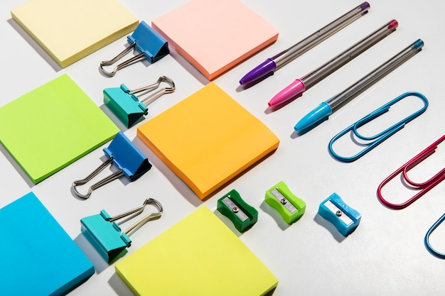 Knolling concept with sticky notes and accessories high view Free Photo