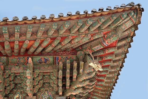Korea buddhist temple traditional old roof painting Premium Photo