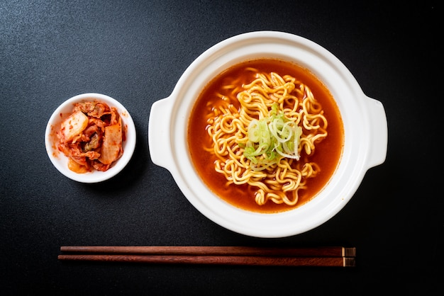 Korean spicy instant noodles with kimchi Premium Photo
