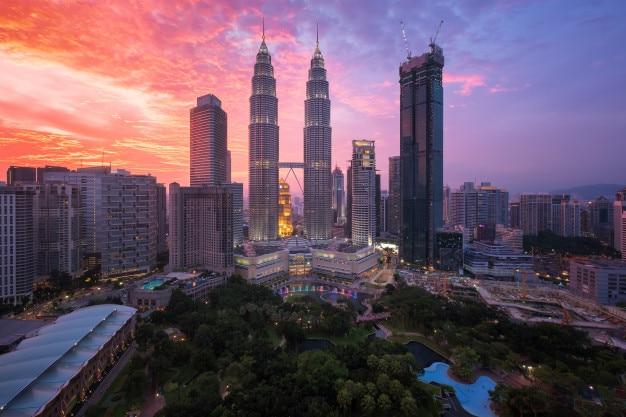 Kuala lumpur, malaysia skyline Premium Photo