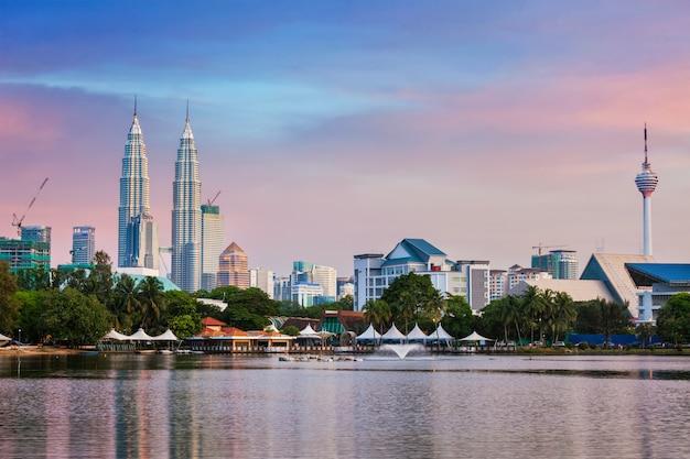 Kuala lumpur skyline Premium Photo