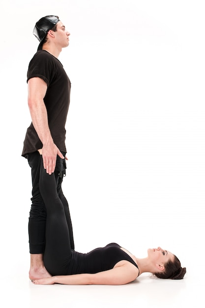 体操選手の体によって形成された文字l 無料写真