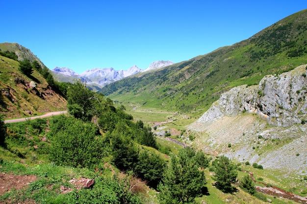 La guarrinza aiguestortes пиренейские горы Premium Фотографии
