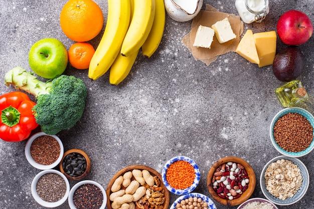 Концепция лакто-вегетарианской диеты. здоровая пища Premium Фотографии