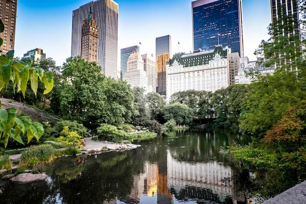 Озеро в центральном парке, нью-йорк, сша Бесплатные Фотографии