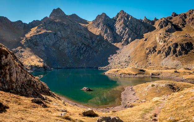 山の湖 無料写真