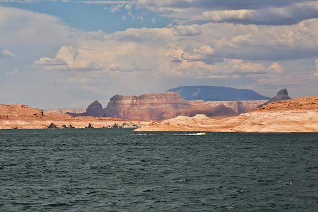 Lake powell in arizona, paige, usa Premium Photo