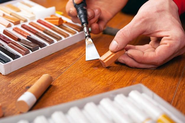 Parquet Restoration Sealing Scratches, Wax Pencil For Laminate Flooring
