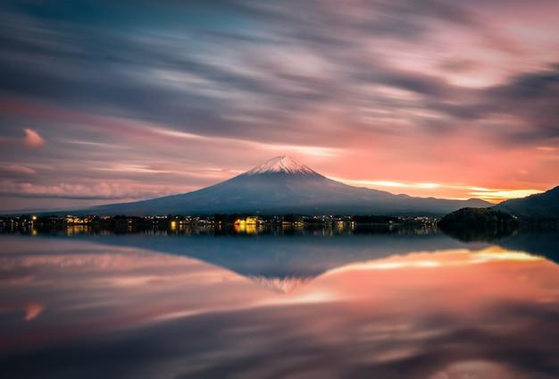 Landscape image of mt. fuji over lake kawaguchiko at sunset in fujikawaguchiko, japan. Premium Photo