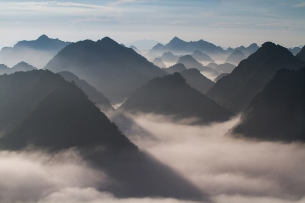 landscape of mountains photo  free download