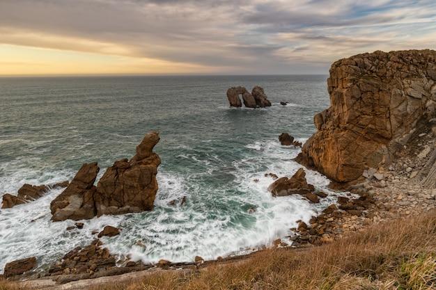 Landscape in the urros de liencres. cantabria. spain. Premium Photo