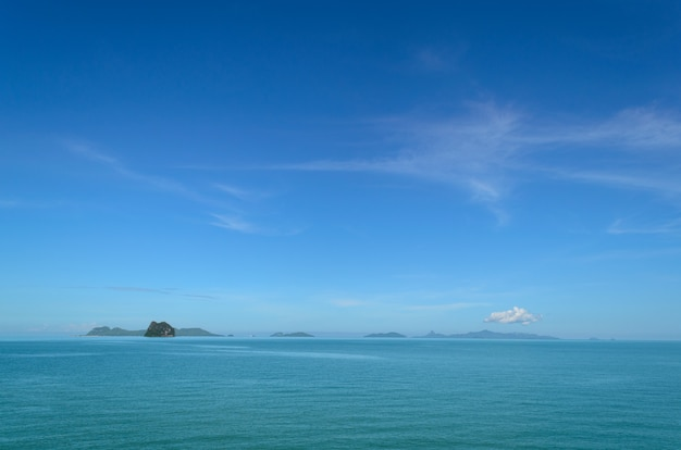 Landscape with sea under the blue sky in the morning. Premium Photo