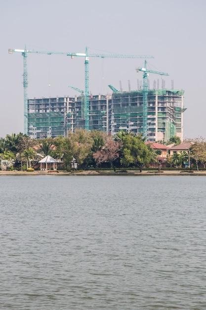 Large building is under construction. Premium Photo