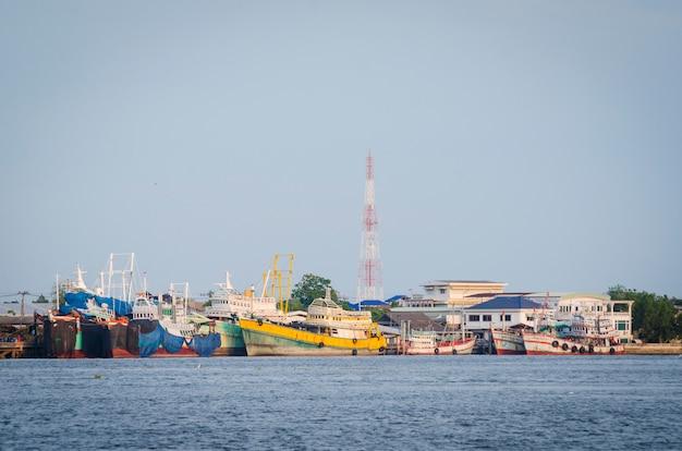 Large container ship arriving in port Premium Photo