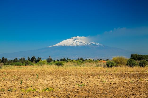 Большая гора этна Premium Фотографии