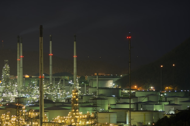 Large oil tank Premium Photo
