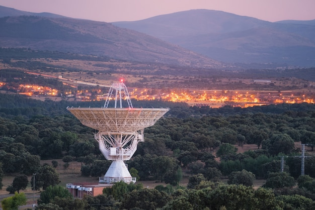 Large radio telescope antenna dish Premium Photo