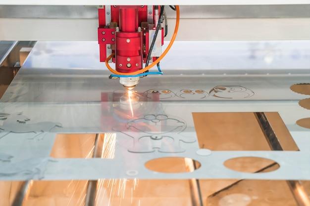 Laser cutting machine Free Photo