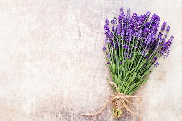 Цветы лаванды Premium Фотографии