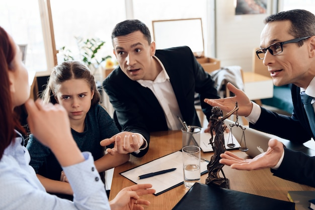 Lawyer and father with daughter communicate with mother Premium Photo