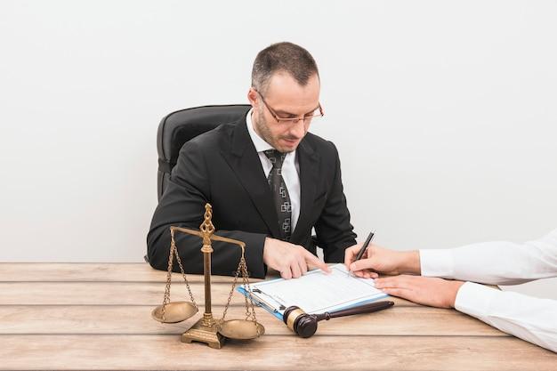Адвокат с клиентом Бесплатные Фотографии