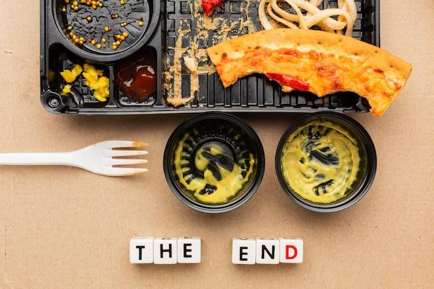 Avanzi di cibo per la pizza la citazione di fine Foto Gratuite