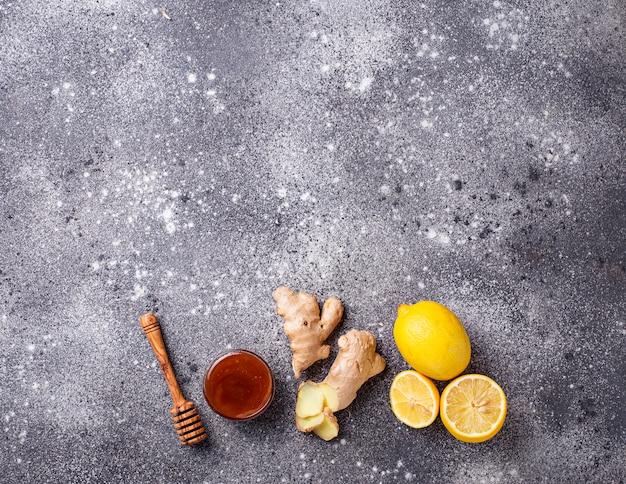 Lemon, ginger and honey. natural cough and flu remedies. Premium Photo