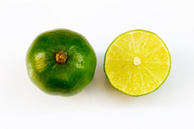 Lemon slice on the table Premium Photo