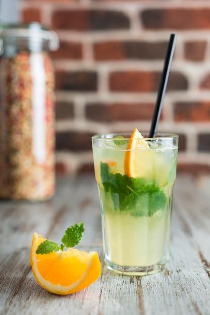 Lemonade with orange mint and ice Premium Photo