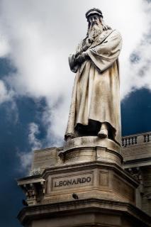 Leonardo statue Free Photo