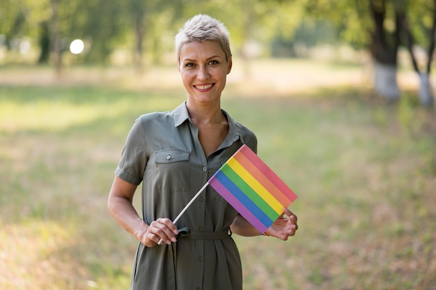 フラグとレズビアンの女性 無料写真