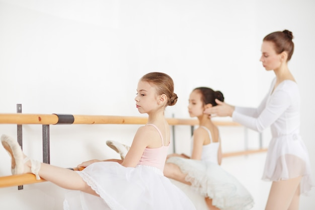 Lesson of ballet Free Photo