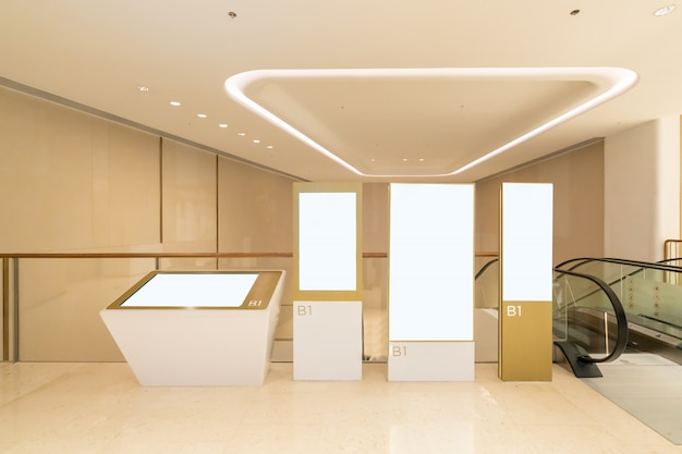 Light boxes in luxury shopping mall Premium Photo
