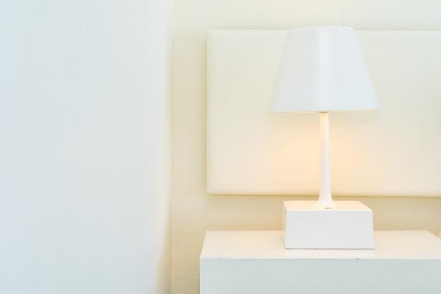 Light lamp decoration on table interior Free Photo