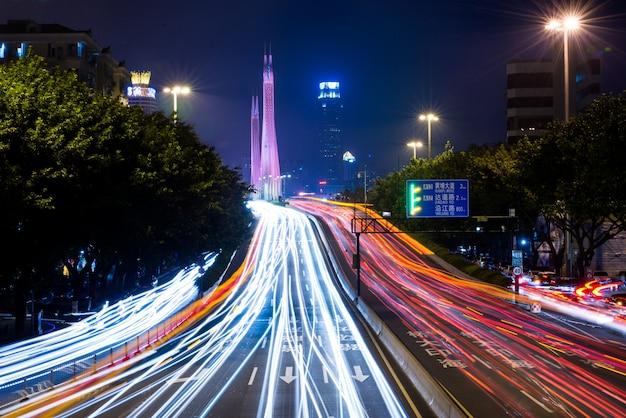 夜に光トレイル 無料写真