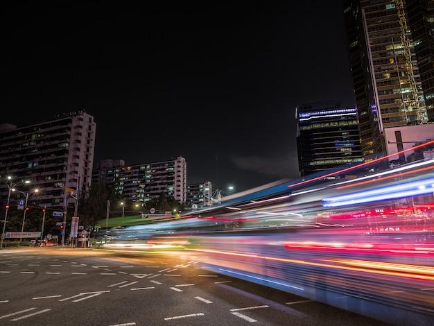 Light trails in seoul. long exposure on crossroad Premium Photo