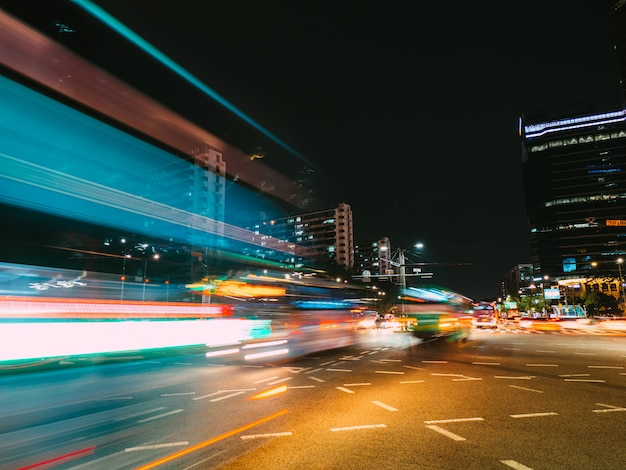 Light trails in seoul. long exposure photography Premium Photo
