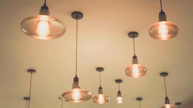 Lightbulbs on ceiling Premium Photo