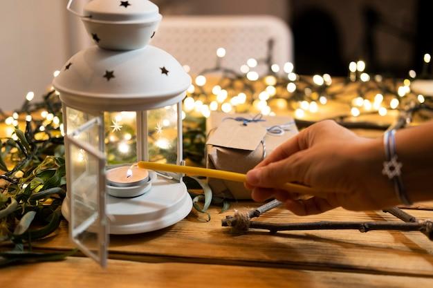 Зажги свечу счастливой хануки Бесплатные Фотографии