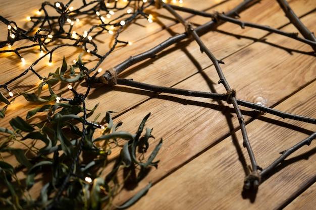 Огни и ветви традиционной еврейской концепции хануки Бесплатные Фотографии