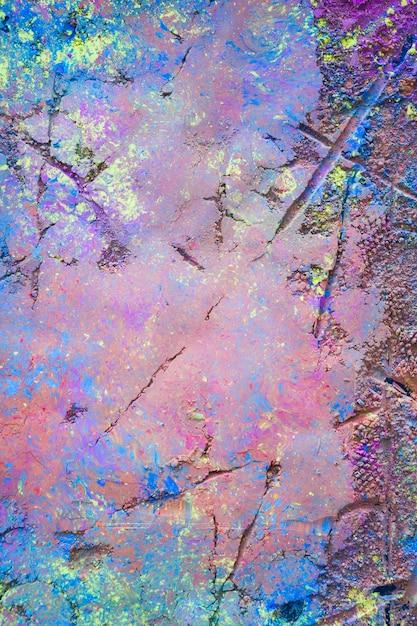 Line prints on purple powder Free Photo