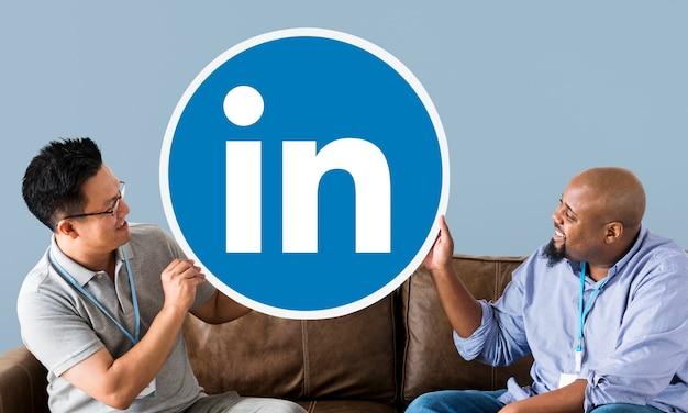 Люди, имеющие логотип linkedin Бесплатные Фотографии