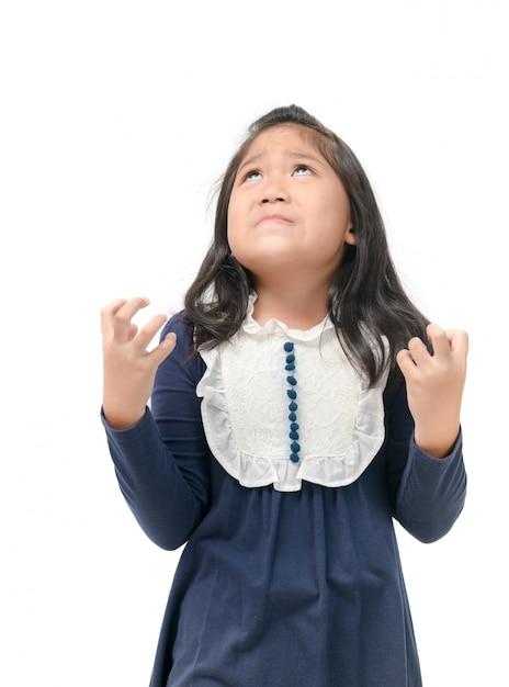 어린 소녀 지 루에 고립 된 흰색 배경 프리미엄 사진