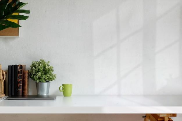 Loft workspace Premium Photo