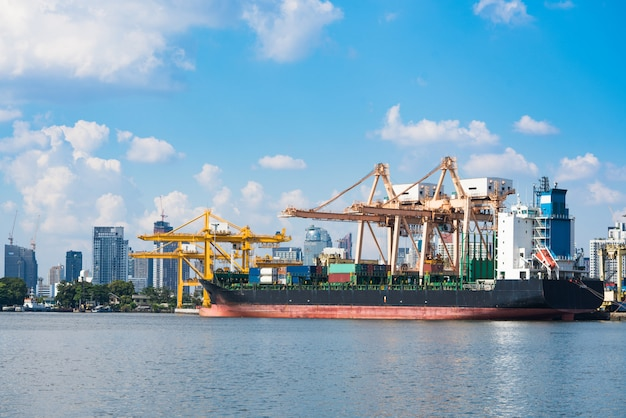 Logistics and transportation of container cargo ship Premium Photo