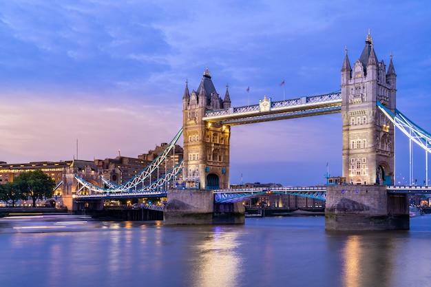 London tower bridge Premium Photo