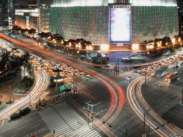 Long exposure of crossroad in seoul Premium Photo